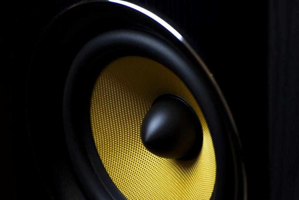 画像に alt 属性が指定されていません。ファイル名: speaker-820005_1920-1024x685.jpg